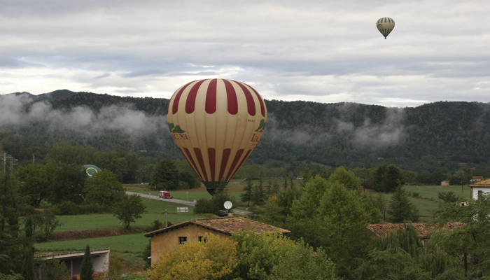 Balloon Flight in the Garrotxa Rural Cal Carreter